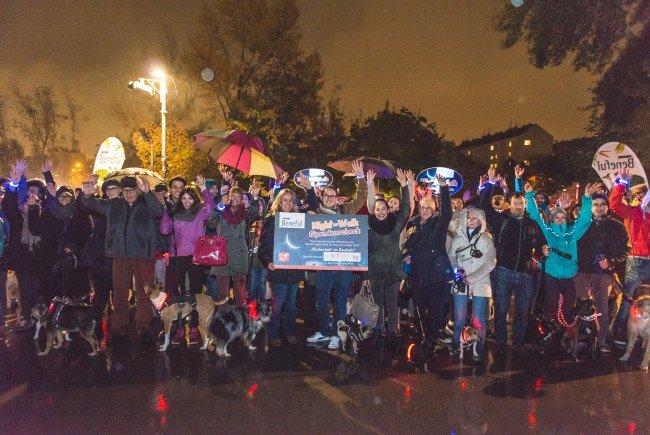 Schlechtwetter konnte die Teilnehmer des 2. Beneful Night-Walks nicht abschrecken