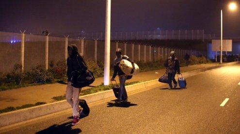 """Räumung des """"Dschungels von Calais"""" hat Montagfrüh begonnen"""