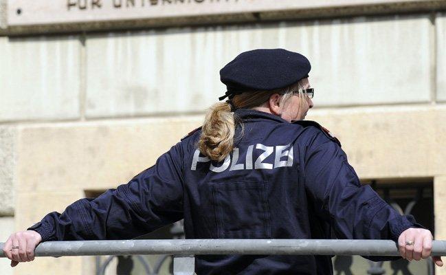 Einer Polizistin wurden in Ottakring Drogen angeboten