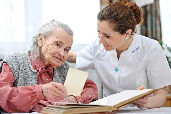 24 Stundenbetreuung IBPF: Vermittelt mit Erfahrung und Einfühlungsvermögen qualifizierte Personenbetreuer