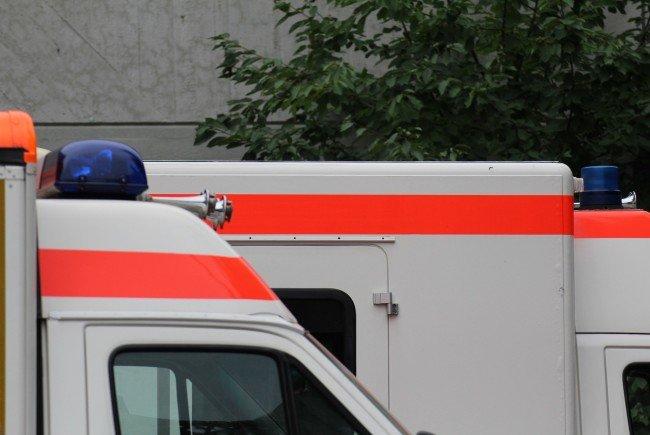 Die gewieften Sanitäter konnten den Autofahrer an einer Tankstelle blockieren.