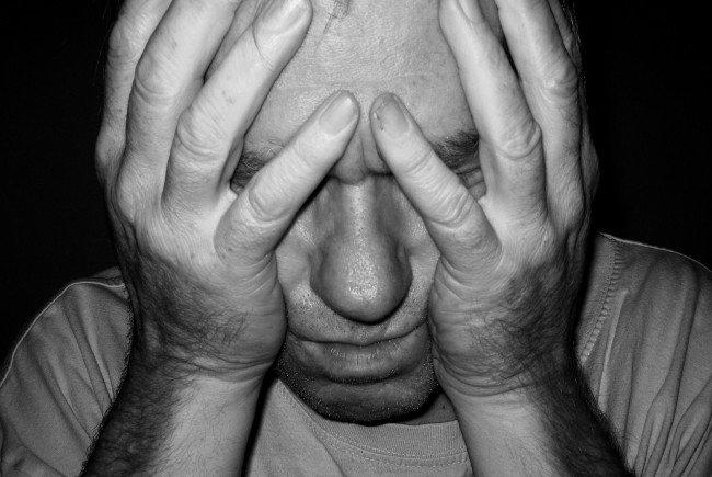 Wenn man anfällig für Migräne ist, sollte man auf bestimmte Speisen verzichten.