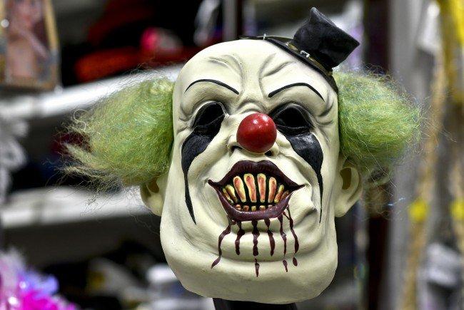 """""""Horror-Clowns"""": Kommunikationswissenschafter Hausjell sieht teilweises Versagen der klassischen Medien"""