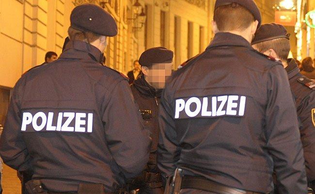 Der Polizei machte ein aggressiver Zechpreller in Favoriten zu schaffen