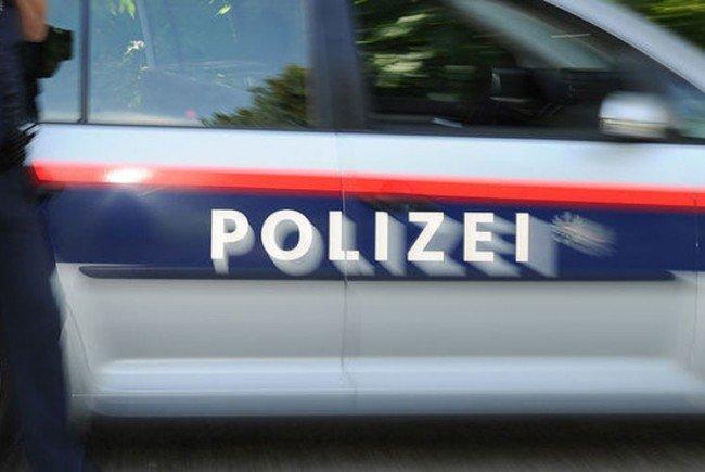 Die Polizisten konnten den 30-Jährigen schließlich in Gewahrsam nehmen.