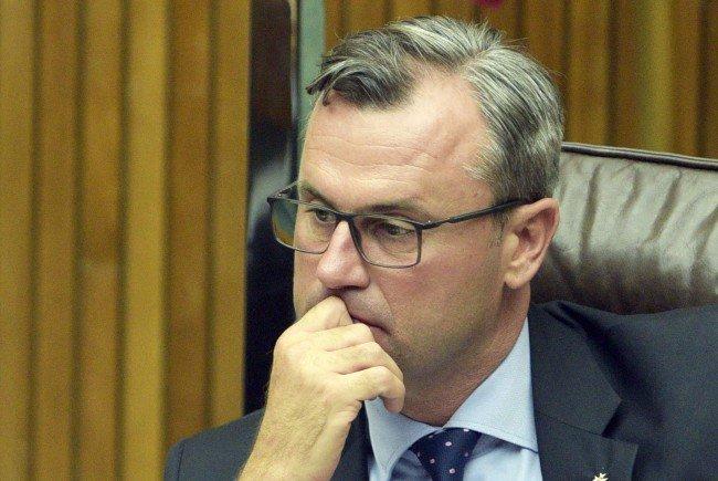 """Norbert Hofer, dritter Nationalratspräsident und Präsidentschaftskanditat (FPÖ): """"Italien und Griechenland nicht allein lassen"""""""