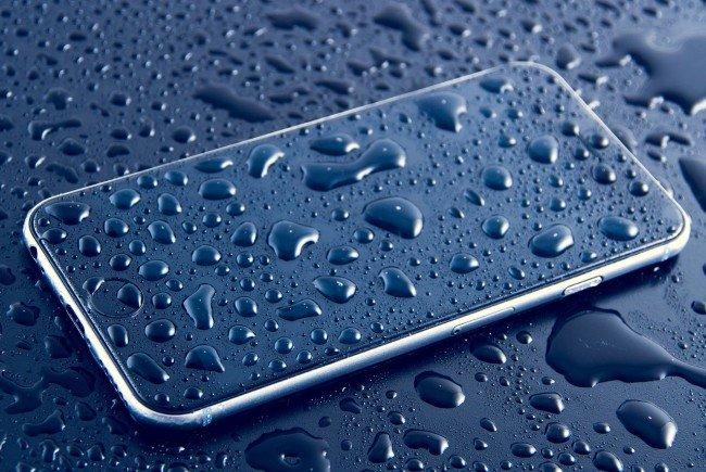 Tipps und Tricks beim Smartphone mit Wasserschaden.