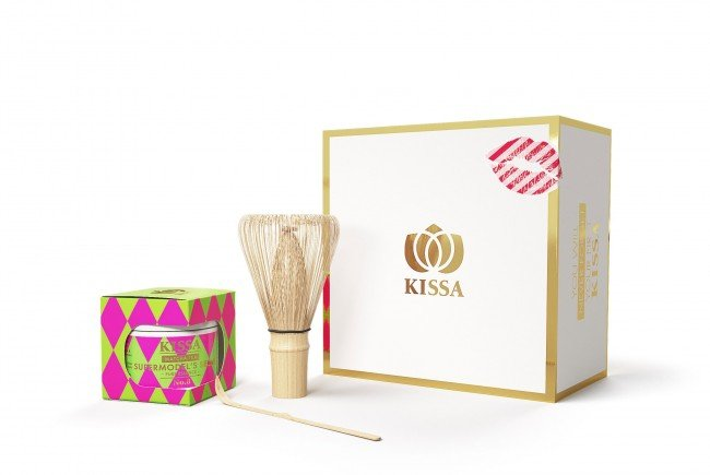 "Zu gewinnen: Das ""Supermodel's Secret""-Geschenkset beinhaltet feinsten KISSA Matcha Tee"