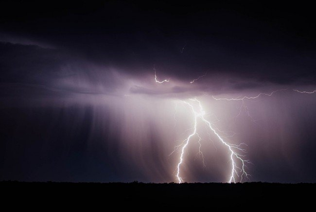 Viele Blitze – wenig Tote