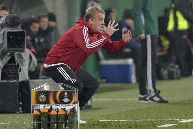 Rapid-Trainer Mike Büskens war im Derby der Verzweiflung nahe.