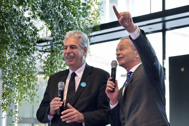 (v.l.), Finanzminister Hans Jörg Schelling (ÖVP), Vorstandvorsitzender der Erste Group Bank, Andreas Treichl bei der Eröffnung des Erste Bank Financial Life Park (FLIP) in Wien