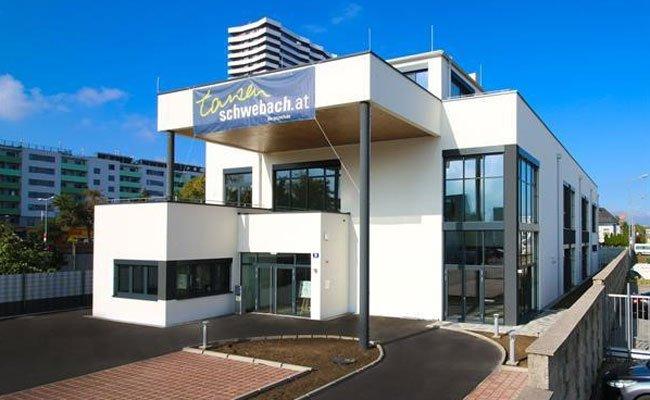 """Die neue Tanschule """"Schwebach"""" eröffnet in Wien-Donaustadt."""