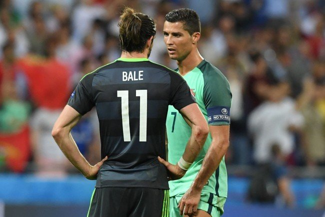 Gareth Bale und Cristiano Ronaldo: Zwei Weltstars untereinander im Plausch.