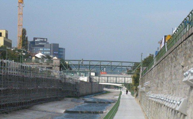 Aus dem Wienfluss wurde die Leiche eines noch nicht identifizierten Mannes geborgen