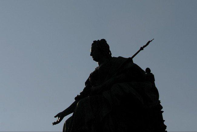 Das Maria-Theresien-Denkmal zwischen den beiden großen Wiener Museen