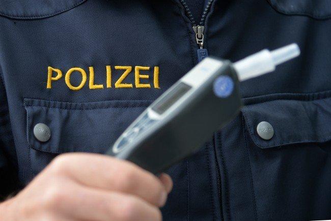 Ein betrunkener Lenker verursachte einen Verkehrsunfall in Wien-Leopoldstadt