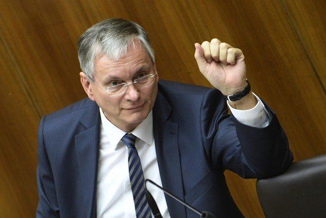 Sozialminister Stöger will auch für pensionierte Beamte die Einmalzahlung von 100 Euro