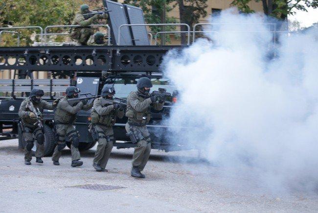 Einsatzkräfte bei einer Anti-Terror-Übung in Wien
