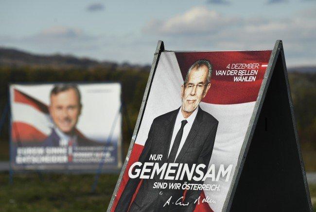 Die Präsidentschaftskandidaten Alexander Van der Bellen und Norbert Hofer im TV