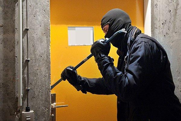 Es kam zu vier Festnahmen nach Kellereinbrüchen