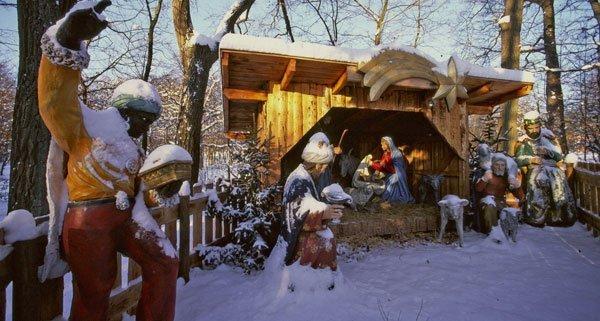 Im Lainzer Tiergarten wird wieder die traditionelle Weihnachtskrippe aufgestellt.