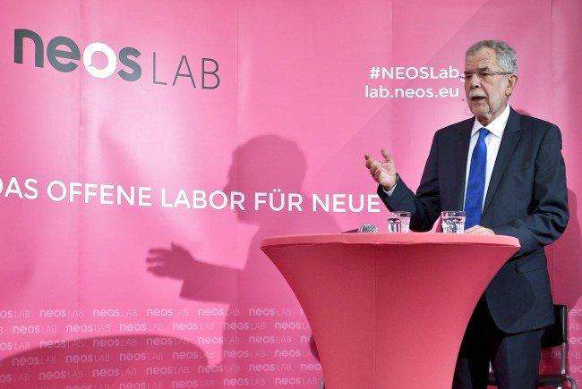 Alexander Van der Bellen bei einem NEOS-Hearing