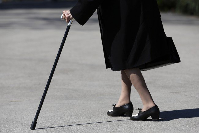 Ein 74-Jährige brachte eine Granate zur Polizei