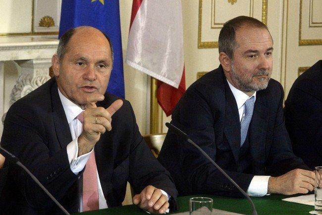 """Innenminister Sobotka sieht hinsichtlich der BP-Wahl """"alle Ampeln auf Grün"""""""