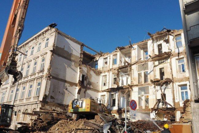 Die Initiative Denkmalschutz kritisiert den Abriss eines Zinshauses am Wiedner Gürtel