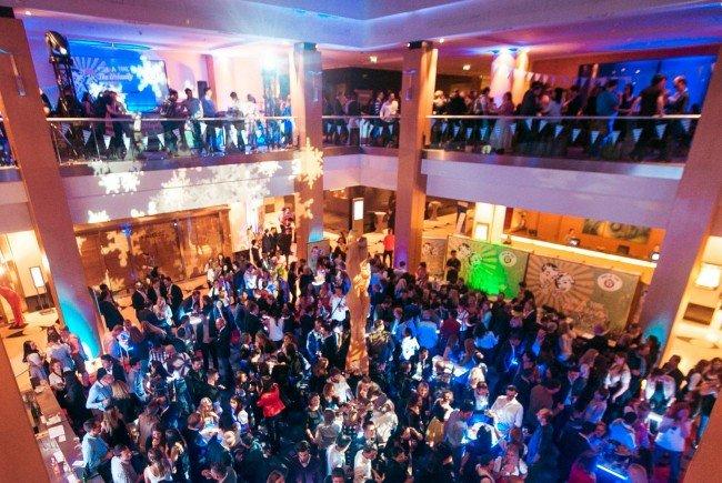 """""""Work-a-Tonic"""" feiert den ersten Geburtstag im Hilton Vienna."""