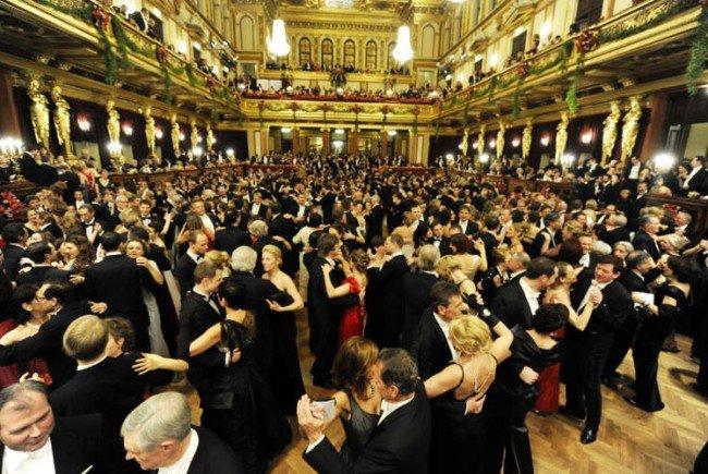 Die Wiener Ballsaison feiert ihren Auftakt.