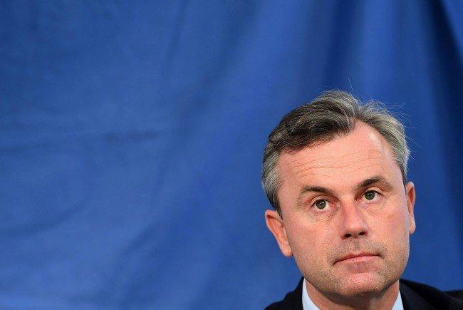 Hofer trat bei einer Diskussionsveranstaltung der FPÖ mit Rafi Eitan und den israelischen Politiker Kleiner auf