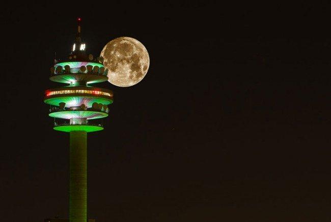Schon Sonntagnacht zeigte sich der Mond in (fast) voller Schönheit.