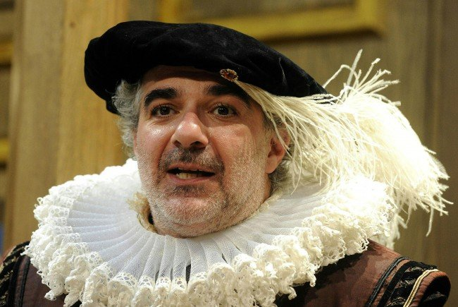 Michael Niavarani in einer seiner Shakespeare-Rollen