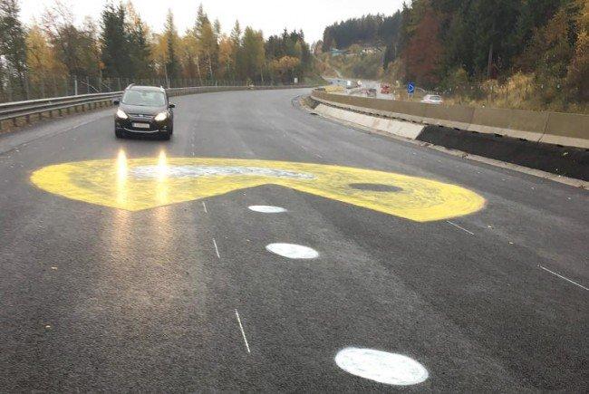 Ein Riesen-Pac-Man auf der A2.