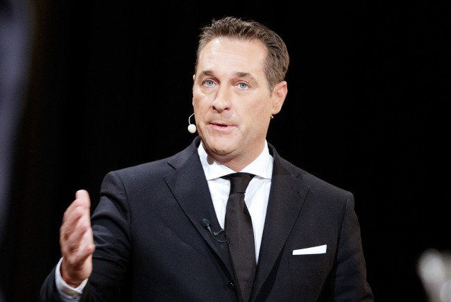 FPÖ-Bundesparteichef Heinz-Christian Strache macht mangelhafte Kontrolle verantwortlich