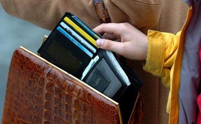 Präventionstipps des Bundeskriminalamtes gegen Taschendiebe werden gegeben