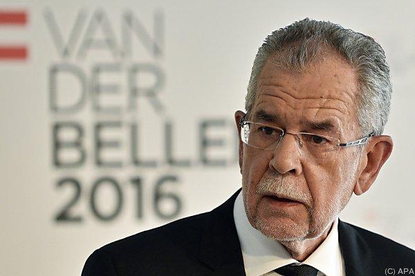 """Alexander Van der Bellen """"zuversichtlich, aber nicht sicher"""""""