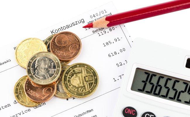 Bei Limitüberschreitungen zahlen Österreicher zwischen 6,9 und 18,25 Prozent Zinsen.