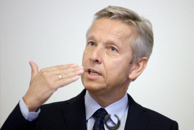 ÖVP-Klubobmann Reinhold Lopatka bleibt bei seiner Unterstützung für Norbert Hofer.