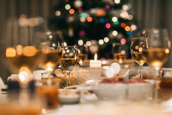 Auch das Auge isst mit - ein weihnachtlich gedeckter Tisch gehört einfach dazu