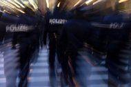Handyraub bei Bushaltestelle in Vösendorf: Täter verhaftet