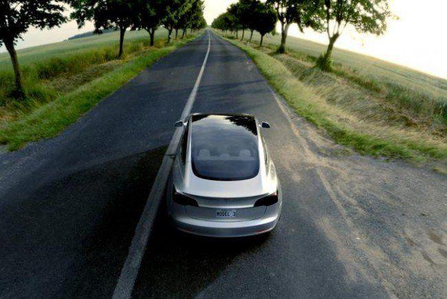 Das Model 3 soll günstiger als das teure Model S sein