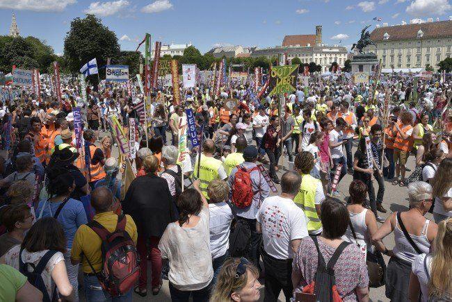 Petition zum Schutz des Demonstrationsrechts von SOS Mitmensch.
