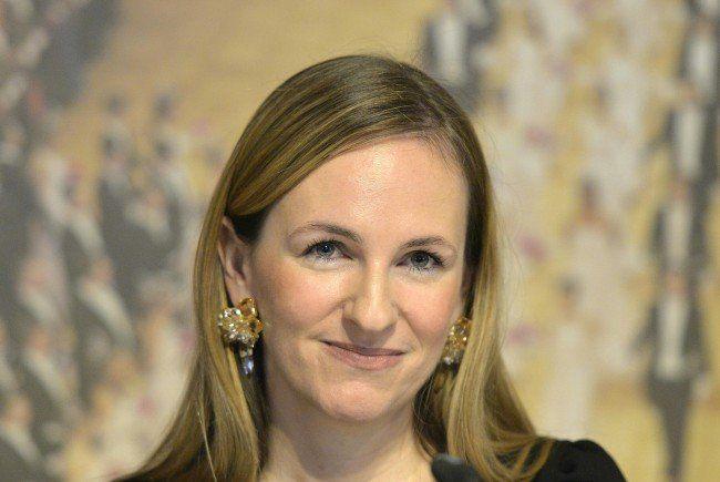 Opernball-Organisatorin Maria Großbauer verrät den Designer ihrer Robe.