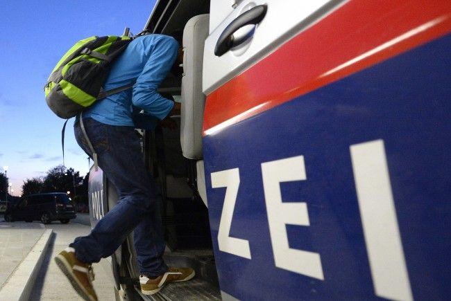 Auch 13 Personen aus Österreich wurden abgeschoben