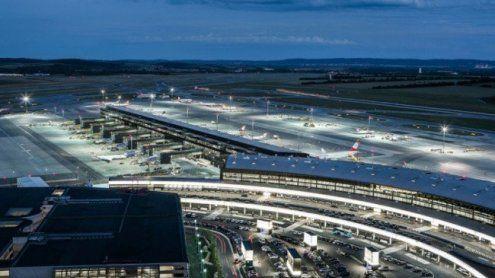Flugzeugschmuggel am Flughafen von Zollfahndung aufgedeckt