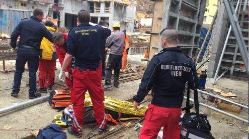 Arbeiter stürzte aus großer Höhe