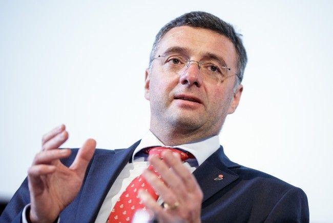 Infrastrukturminister Leichtfried stellt seine Pläne bis 2022 vor