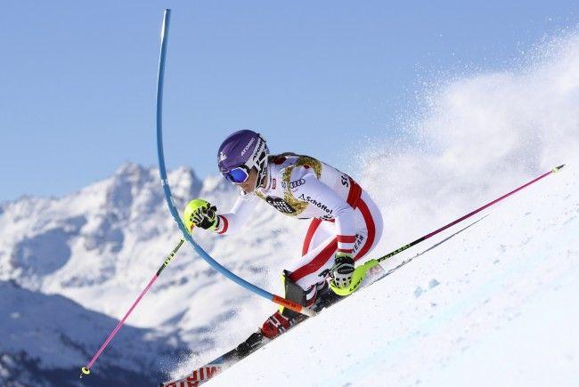 Kirchgasser fährt in Crans Montana um ersten Kombinations-Weltcupsieg.